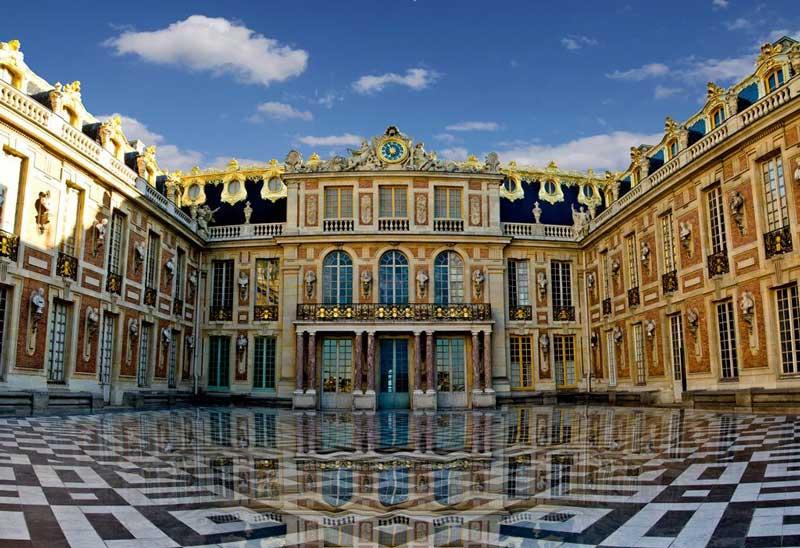 Entrada principal del Palacio de Versalles